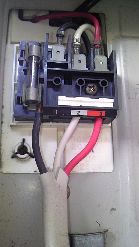 電線接続が…